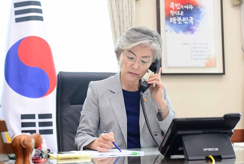 Minister of Foreign Affairs Kang Holds Telephone Conversation with Canada's Minister of Foreign Affairs Champagne