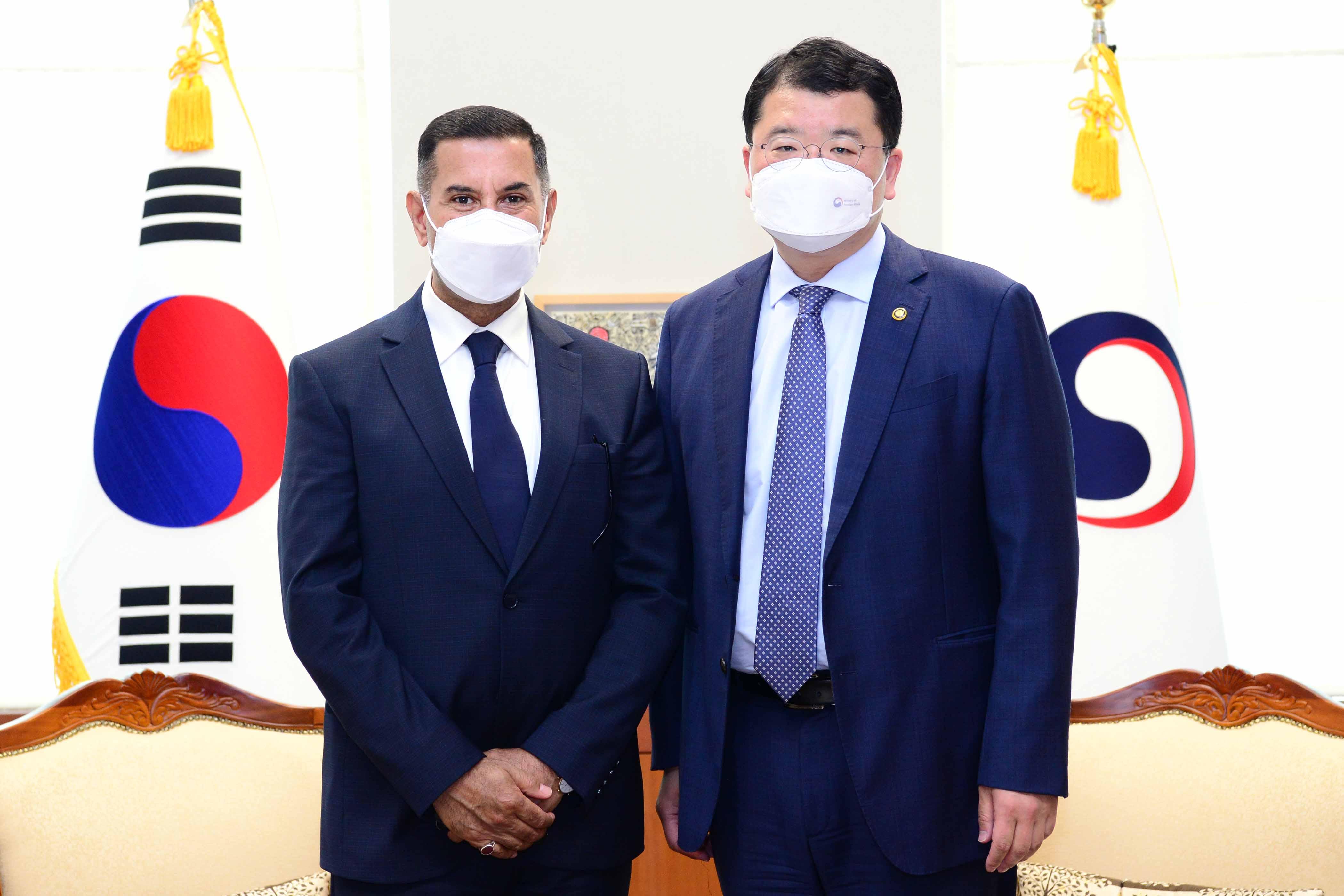 Vice Minister of Foreign Affairs Choi Jong Kun Met with Outgoing Iraqi Ambassador to Korea