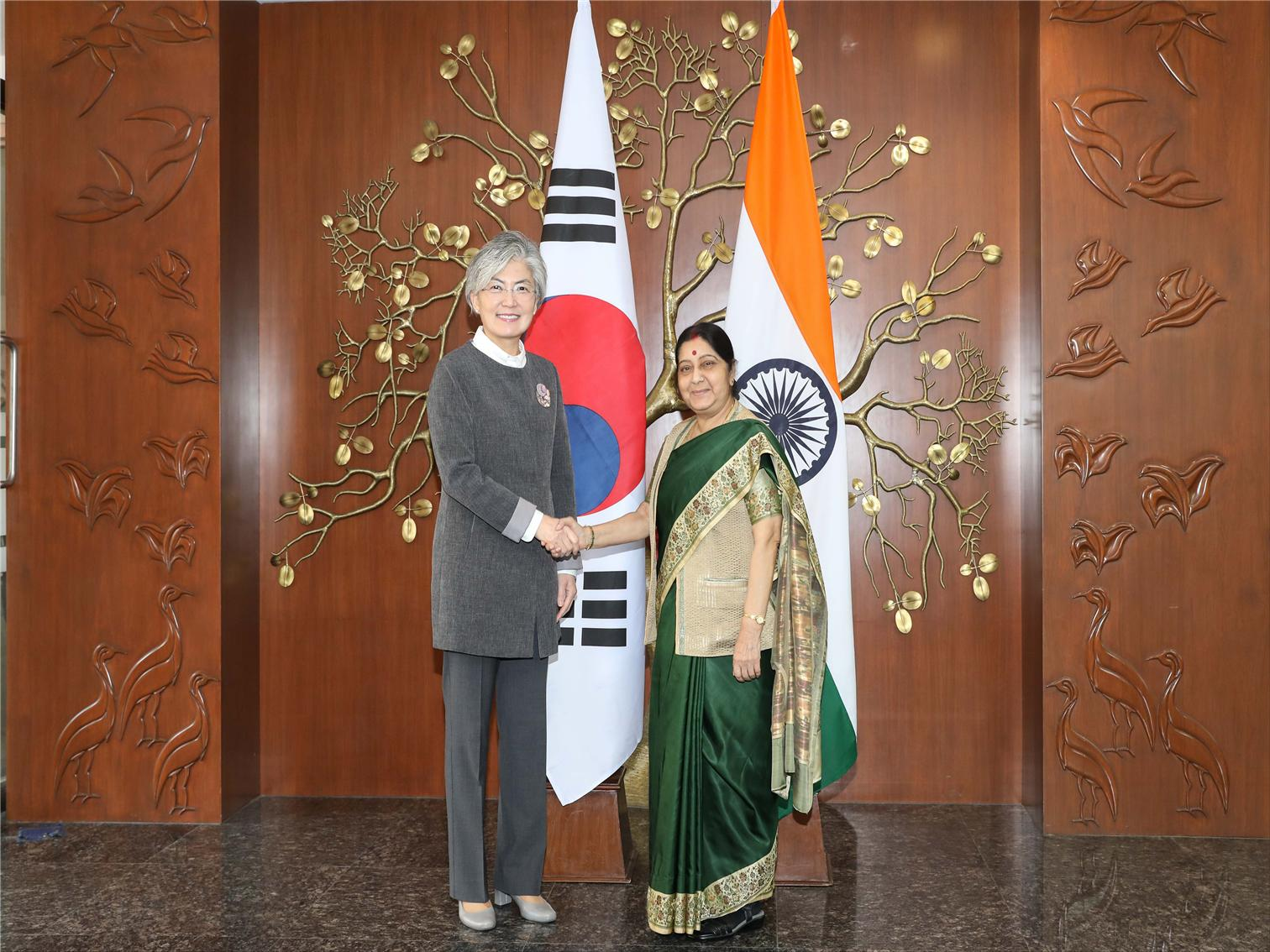 Foreign Minister Visits India, ROK's Key Partner for its New Southern Policy